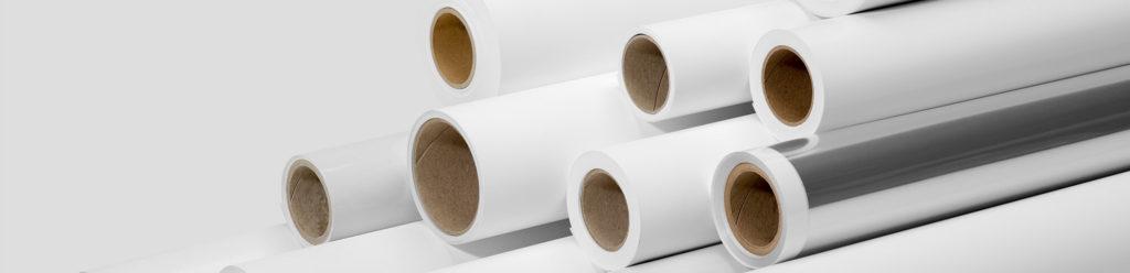 Zakken en transparante verpakkingsmaterialen van BS Verpakkingen, zoals polyzakken en krimpfolie.